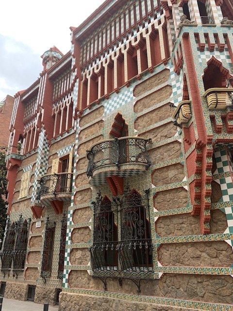 barcelona itinerary - gaudi house