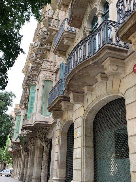 eixample barcelona modern architecture