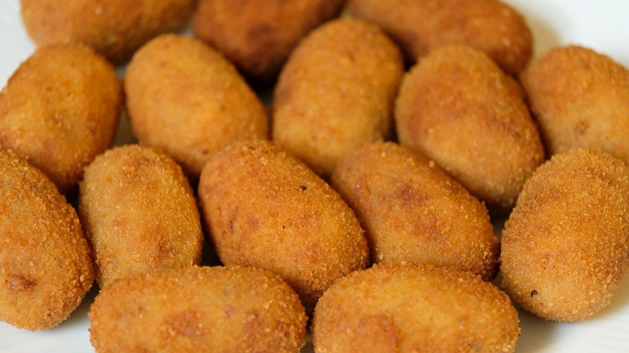 traditional food in madrid - croquetas